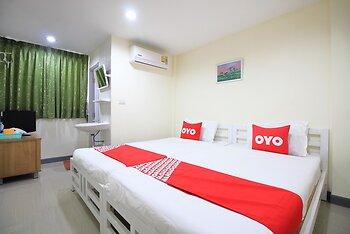 OYO 439 Bed & Bus
