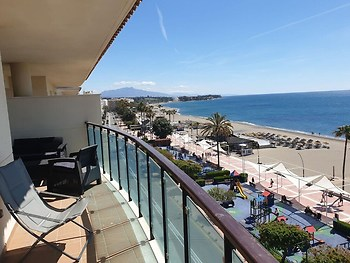 Apartment With 4 Bedrooms in Estepona, With Wonderful sea View, Furnis