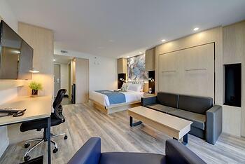 hotel h tel universel in rivi re du loup riviere du loup. Black Bedroom Furniture Sets. Home Design Ideas