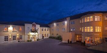 Seven Oaks Hotel