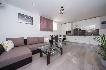 Split City Apartment