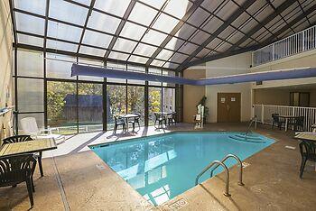 hotel river bend inn pigeon forge united states of. Black Bedroom Furniture Sets. Home Design Ideas