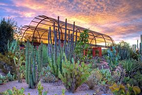Crowne Plaza Phoenix - Phx Airport, an IHG Hotel