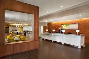 Holiday Inn Airport - Portland, an IHG Hotel