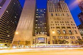 InterContinental Chicago Magnificent Mile, an IHG Hotel