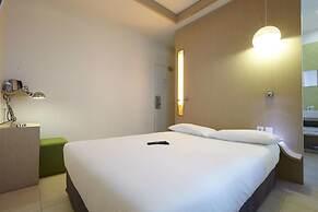 Hotel Kyriad Paris 10 Canal Saint Martin