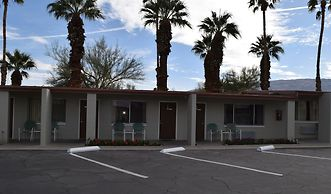 Stanlunds Inn And Suites