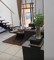 Modern Executive Penthouse All Amenities