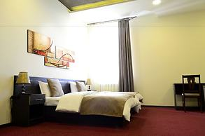 Tomu's Hotel