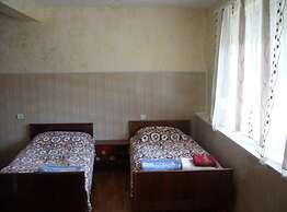 Guest House Garniresthost