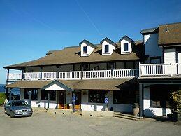 The Lund Resort at Klah ah men