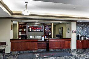 Redwood Inn & Suites - Grande Prairie