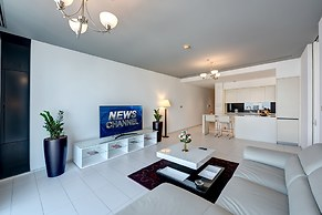J5 Holiday Homes 1 BR Apartment