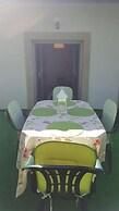 Carvalhosa Apartment