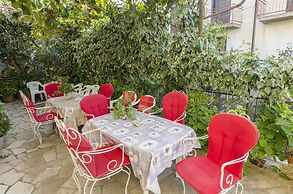 Apartments and Rooms Slavica