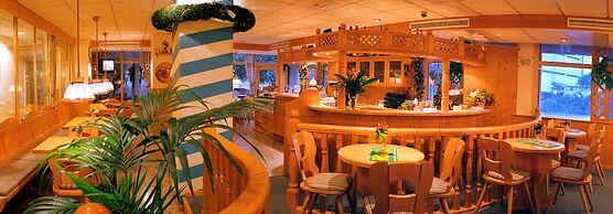 Guitart Central Park Aqua Resort 4*