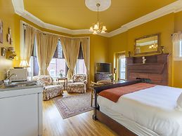 Chipman Hill Suites on Sydney