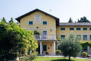 Hotel La Pina