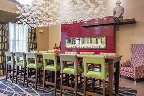 Hampton Inn & Suites Williamsport-Faxon Exit, PA